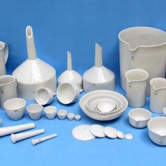 Лабораторний посуд з порцеляни